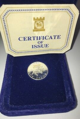 ISLE OF MAN 1978 SILVER PROOF ONE POUND IN GREY PLUSH BOX & COA Plus One Other