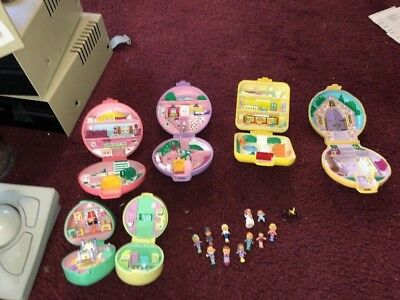 Large Lot Of Vintage Bluebird Polly Pocket Houses Compacts Figures Etc..