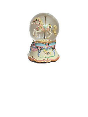 CAROUSELS OF DISTINCTION water Globe Rrp £52.99