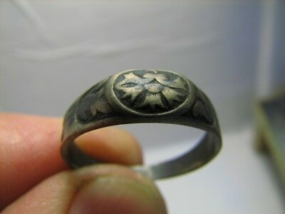 Interesing ! Author's Work !  Old Vintage  Sterling Silver Ring #551