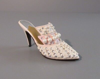 """Raine Willitts Design Just the Right Shoe """"Frosted Fantasy/POG - Pink"""" Figurine"""