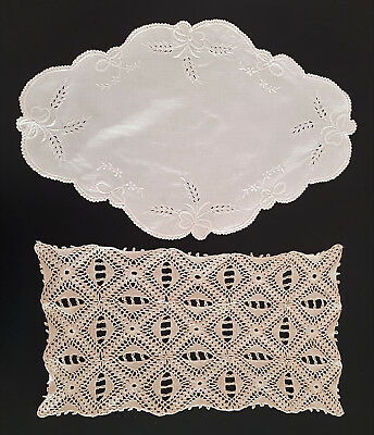 TWO x ABSOLUTELY BEAUTIFUL PIECES OF VINTAGE TABLE LINEN - EXCELLENT CONDITION