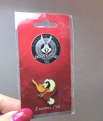 New Looney Tunes Holiday Enamel Pin DAFFY DUCK Christmas SANTA HAT 1999 Warner B