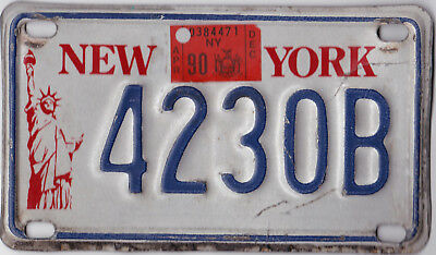 🏁🌟🎼  Authentic Usa 1990 New York Liberty Statue Motorcycle License Plate.