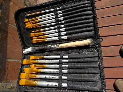 lot of 15 plus asian paint brushes binicci  6611 w/carrying case