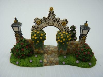 PartyLite Olde World Village Arch Arbor Gateway (a1641)