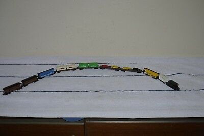 Z Scale Model Train Job Lot inc. Passenger, Container, Livestock 10 Carriages