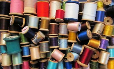 Big Lot 130+ Wooden Spools Vintage / Antique 104 with Thread, 28 Empty - Wood
