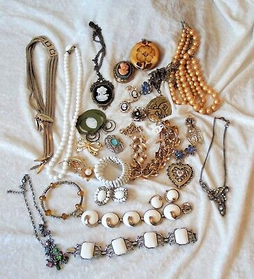 Old?  Vintage Lot Of Mixed Costume Jewelry Pieces  - Wear/Repair