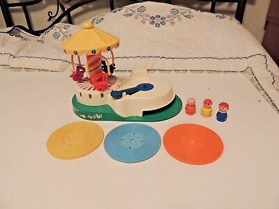 Vintage Fisher price Change a Tune Carousel w Little People 3 records Works 170