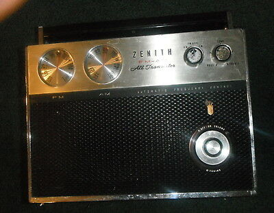 Vintage ZENITH FM-AM All Transistor ROYAL 2000 EARLY PORTABLE RADIO,rare,works