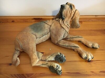 Country Artists A Breed Apart - Bloodhound Laying Down BOXED