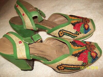 Vintage 1920's 30's Green Velvet Red Brown Black Embroidered Shoes Size 3-3.5