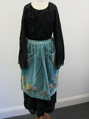 1950s Traditional French Breton Lace Maker's Costume & Lace Headpiece - WEL S26