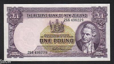 NEW ZEALAND P-159d. 1 Pound (1956-67) - Fleming..  with Thread.. aUNC