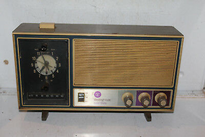 Vintage Olive Green Westinghouse Solid State Clock Radio Rare Mid Century