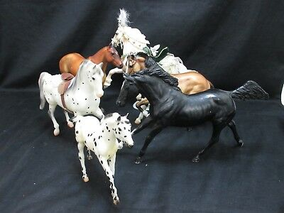 Lot of 5 Traditional Breyer Horses W/ 700108 Noelle 2008 Holiday Horse + More