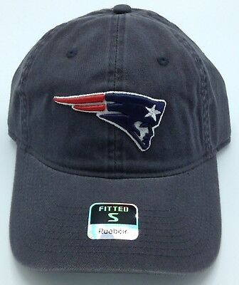 3b3fd4a9e64 NFL New England Patriots Reebok Adult Slouch Fitted Curved Brim Cap Hat NEW!