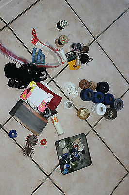Set of haberdashery antique - Buttons ribbons aiguilles son