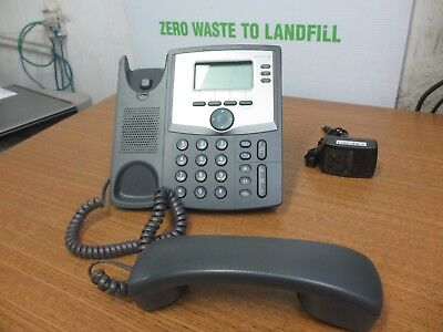 CISCO SPA303-G1 IP Phone 303 w/ Handset ,Stand & AC Adapter