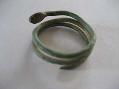Egyptian snake ring: 7th dynasty, around 2150 BC