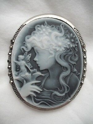 Vintage Antique Style Jewellery Young Girl ~ Fairy Cameo ~ Silver Plated Brooch