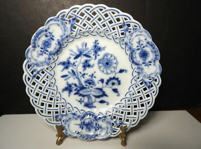 "Meissen BLUE ONION Pierced Reticulated 8"" Plate, Crossed Swords"