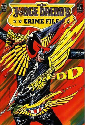 2000AD ft JUDGE DREDD - JUDGE DREDD'S CRIME FILE - Vol 4 - VGC - TITAN