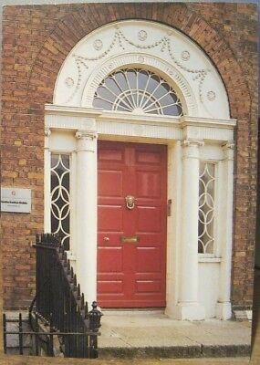 Irish Postcard DUBLIN Red Georgian Door Merrion Square John Hinde Ireland P&P 12