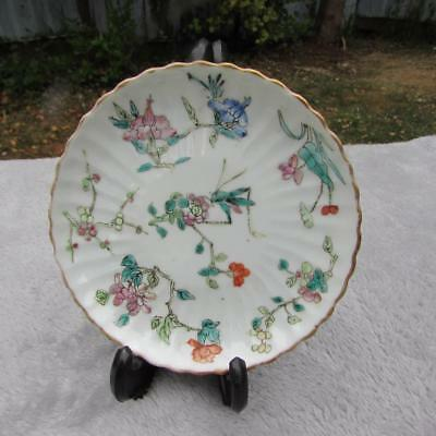 Antique Chinese 19thC Tongzhi Fluted Plate / Dish - Famille Rose Grasshopper
