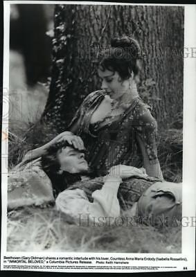 "1994 Press Photo Gary Oldman and Isabella Rossellini in ""Immortal Beloved"""