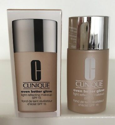 CLINIQUE Even better glow light Reflecting Make Up/ SPF 15- ideale Reisegrösse**