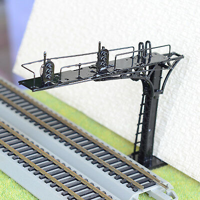 1 x HO /OO black cantilever signal bridge LED 2 aspects double Tracks right side