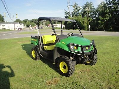 Very Nice John Deere  Xuv 550 4X4 Gator  Only 362 Hours