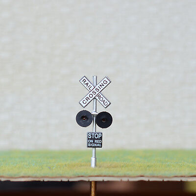 1 x HO Scale railroad crossing signals LED made 2 target faces silver