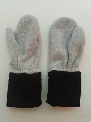Hanna Andersson Gray and Black Fleece Mittens Gloves Winter Glove Size 2-4.