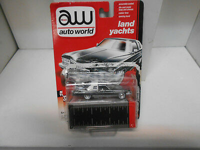 Cadillac Coupe Deville 1976 Autoworld 1:64 Blister Open