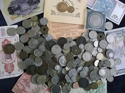 JOB LOT OF OLD COINS AND BANKNOTES 99p A92 D