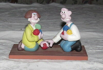 Wallace and Gromit - Wallace Meets Wendolene - A Close Shave - Figurine Ornament