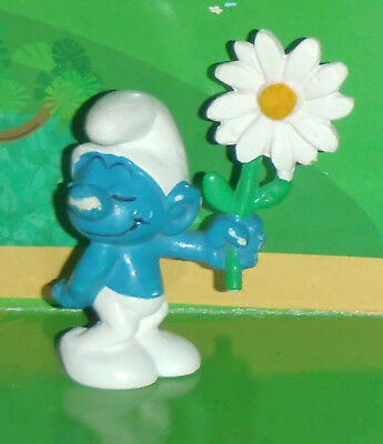 Vintage Rare Courting Smurf Holding A White Flower Smurf Lot