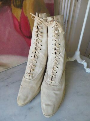 WOMEN'S Old Antique Creamy White Canvas BOOTS SHOES LACE UP Laces Well Worn