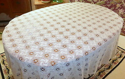 """Lovely Vintage 1930's Hand Crocheted Cream Cotton 110"""" Bed Spread or Table Cloth"""