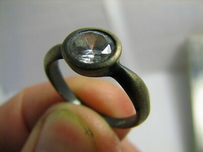 NICE ! AUTHOR'S WORK ! VINTAGE STERLING SILVER RING with STONE !  #336