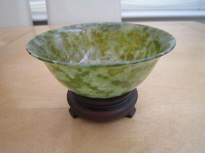 chinese jade bowl with stand
