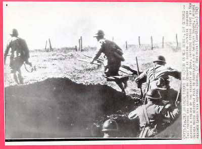 1943 Japanese Troops in Action Buna New Guinea Original News Wirephoto