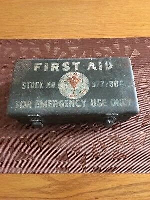 Vintage US Army First Aid Box