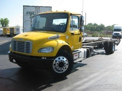 Penske Used Trucks - unit # 655838 - 2013 Freightliner BUSINESS CLASS M2 106
