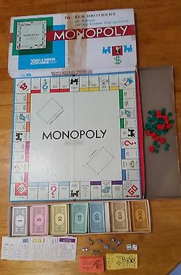 US version Monopoly set Parker Brothers 1976 complete with metal tokens