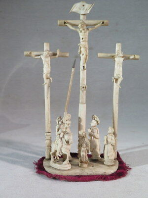 Ancienne Scultpure Representant La Crucifiction Du Christ Mont Du Golgotha Xviii