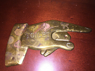"""ANTIQUE and VINTAGE TOILET SIGN UNIQUE SOLID BRASS 8.5""""× 4"""" POINTING FINGER BATH"""